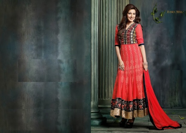 Sonali Bendre in Anarkali Suit